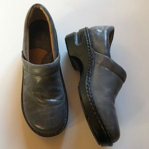 EUC- BORN Handcrafted Footwear in Gray Leather